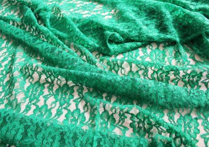 Spitzenstoff mit Bogenkante grün - 42-004-010