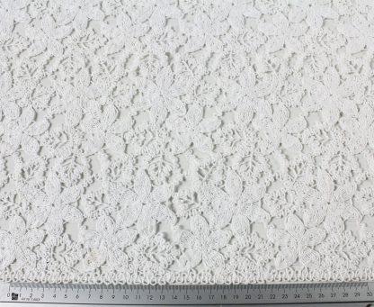 Hochwertger Spitzenstoff aus Bändchen- und Schnürlistickerei weiß - 51-031-001
