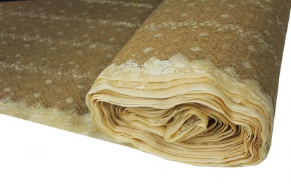 Hochwertige Wollstickerei auf Spitzenstoff hellbraun - 53-002-031