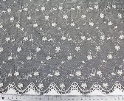 Traumhafte Tüll Spitze schwarz/weiß - 53-032-201