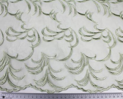 Schöne Stickerei auf Organza grün - 55-034-010