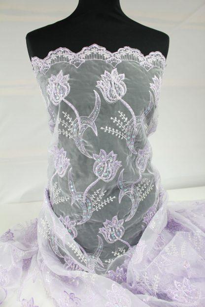 Schöner mit Perlen und Pailletten bestickter Organza lila - 72-005-022