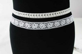 Hochwertige Leavers Lace Spitzenborte - weiß - 80-008-001